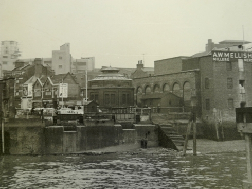 Foot tunnel and Bell Water Gate c 1950s